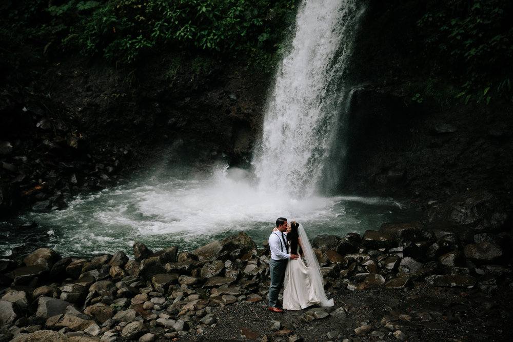 Intimate wedding at La Paz Waterfall in costa rica by San Diego photographer Paige Nelson