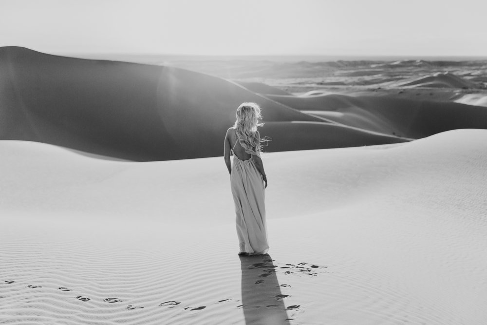 Sand dune portraits of Jessie Chris in Glamis by San Diego photographer Paige Nelson
