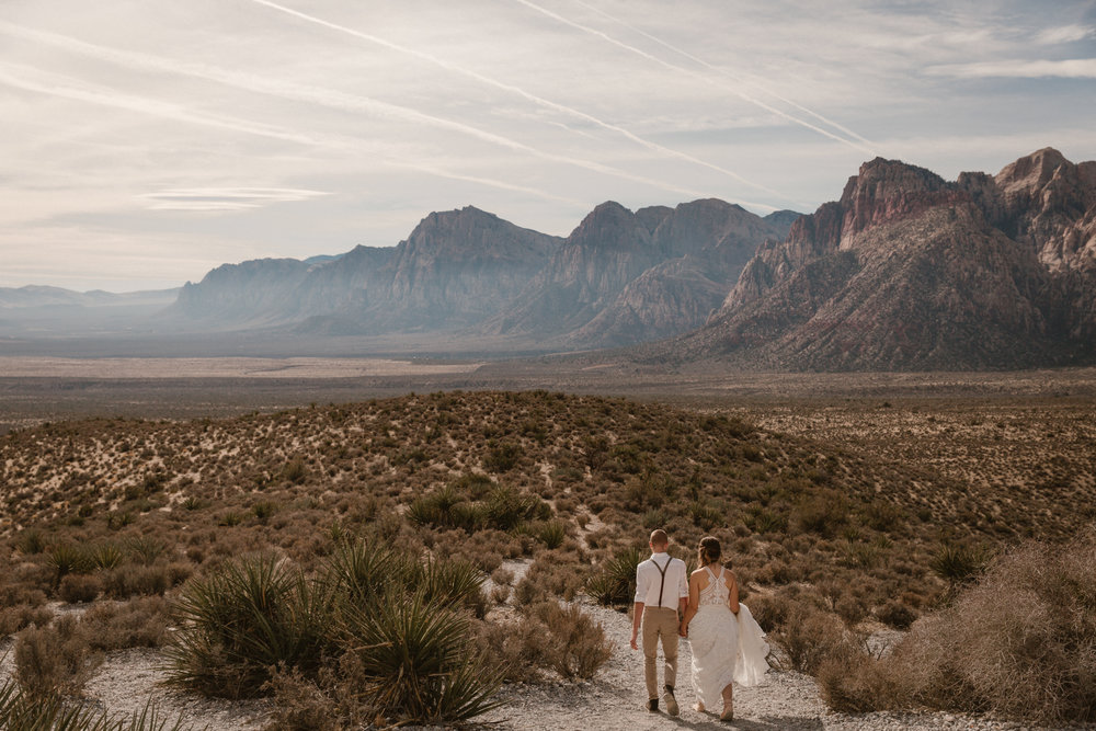Elopement at Red Rock Canyon, Las Vegas by San Diego photographer Paige Nelson