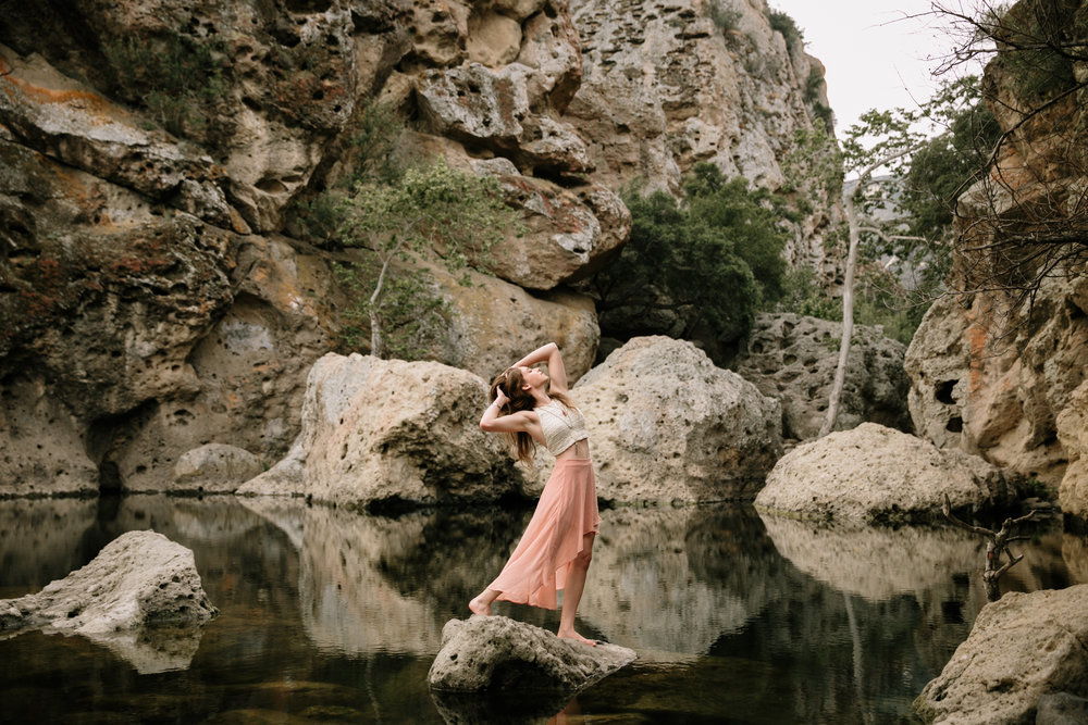 Portrait of Alix Schwartz in Malibu Creek State Park by San Diego photographer Paige Nelson